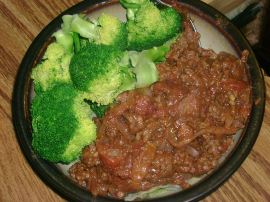 """Steamed Broccoli, Quickie Grass-Fed Beef """"Chili"""""""