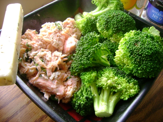 Broccoli, Shredded Parsley Salmon, Garlic Parsley Cheddar Raw Cheese Stick