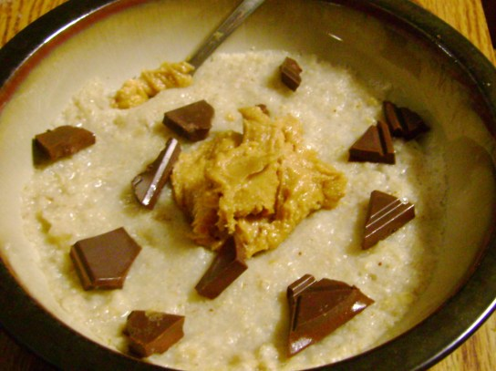 Oatmeal With Vanilla Peanut Butter And Milk Chocolate
