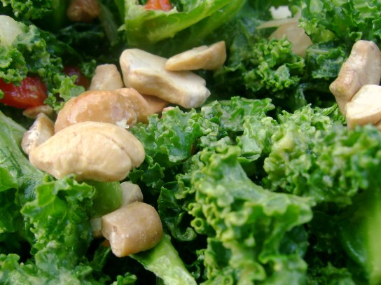 Avocado Kale Salad With Roasted Cashews