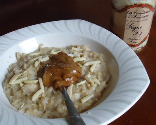 Oatmeal With Almond Butter And Slivered Almonds, Fig YIAJ