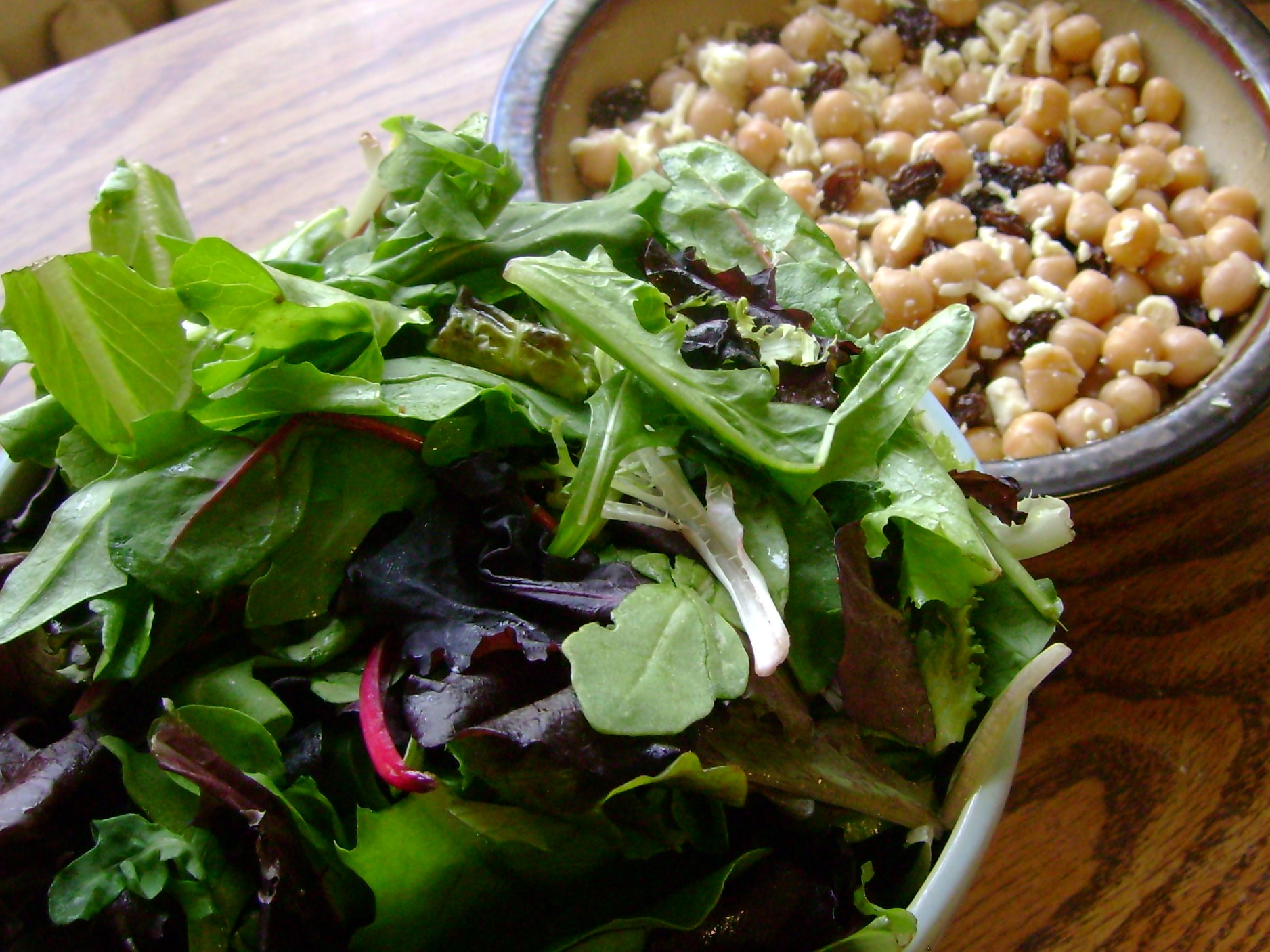 Hemp Oil Dressed Greens, Chickpea Salad With Raisins And Daiya