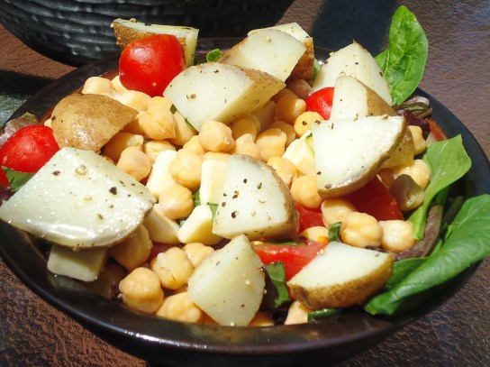Caprese Chickpea Salad With Seasoned White Potato