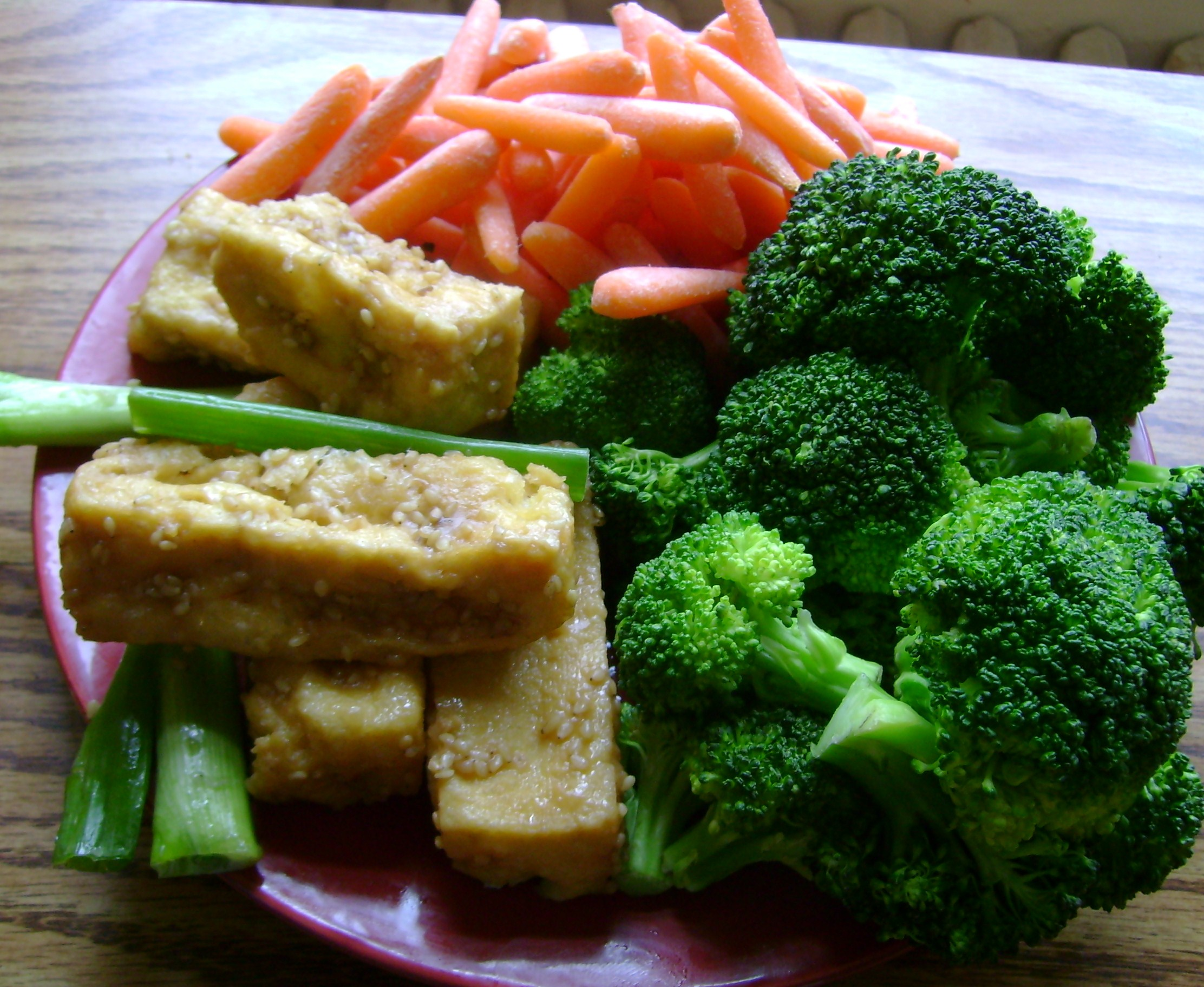 Golden Sesame Tofu, Steamed Broccoli, Raw Baby Carrots