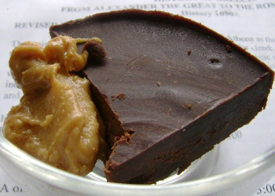 Microwave Vegan Chocolate Fudge With Vanilla Peanut Butter